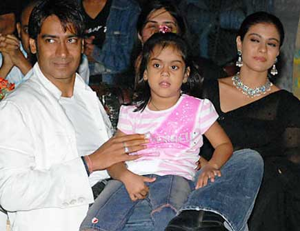 Bollywood celebrities with their kids | Celebs Fans